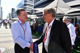 Dmitry Kozak, Viceprimer Ministro de la Federación Rusa conversa con Hermann Tilke
