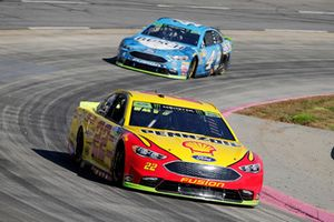Joey Logano, Team Penske, Ford Fusion Shell Pennzoil Kevin Harvick, Stewart-Haas Racing, Ford Fusion Busch Beer