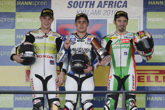 Podium : le vainqueur Leon Haslam, Team Suzuki Alstare, le deuxième Jonathan Rea, HANNspree Ten Kate Honda, le troisième Max Biaggi, Aprilia Alitalia Racing