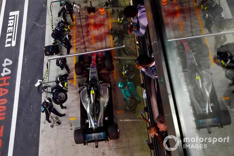 Valtteri Bottas, Mercedes-AMG F1 W09 pit stop