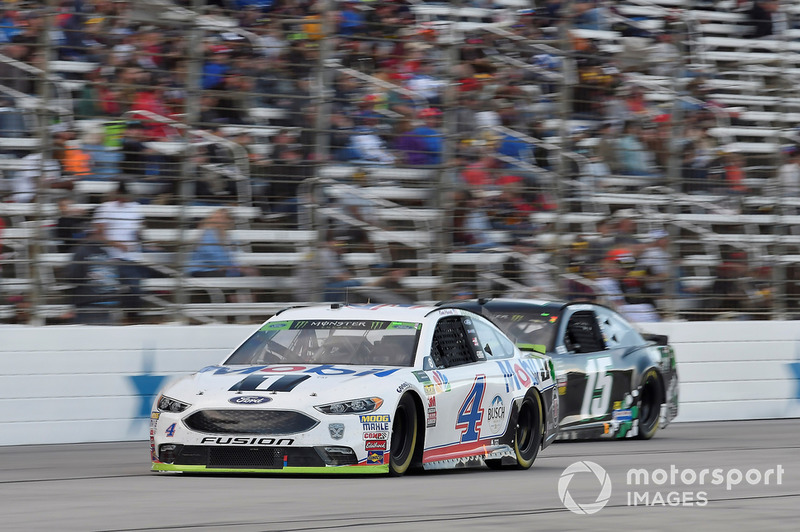 Kevin Harvick, Stewart-Haas Racing, Ford Fusion Mobil 1, Ross Chastain, Premium Motorsports, Chevrolet Camaro Low T Center