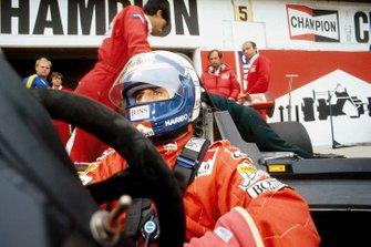 Alain Prost, McLaren MP4\2 TAG Porsche, Ron Dennis, Jo Ramirez