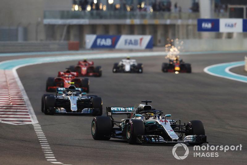 Lewis Hamilton, Mercedes AMG F1 W09 EQ Power+, Valtteri Bottas, Mercedes AMG F1 W09 EQ Power+, Sebastian Vettel, Ferrari SF71H, Kimi Raikkonen, Ferrari SF71H, Charles Leclerc, Sauber C37, y Daniel Ricciardo, Red Bull Racing RB14