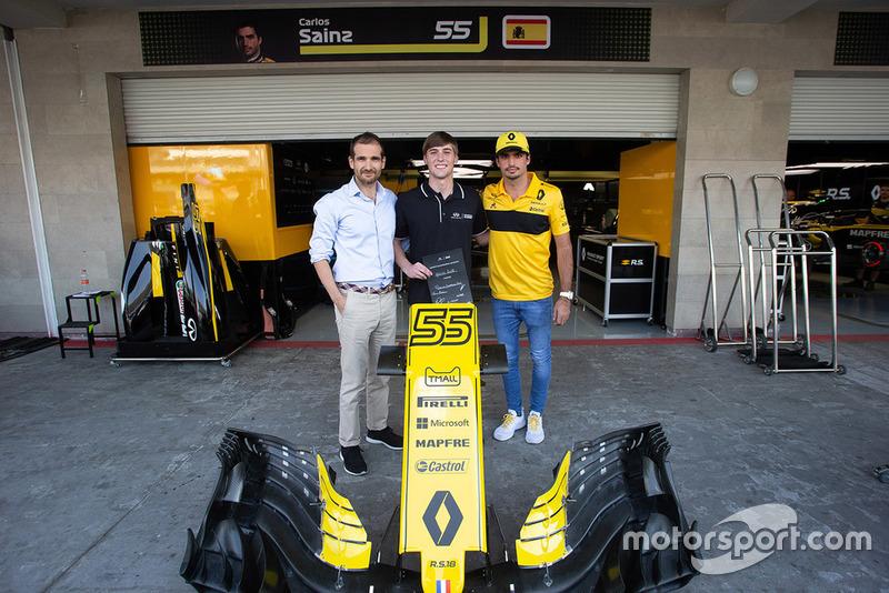 Carlos Sainz Jr., Renault Sport F1 Team, Patricio Barroso Rios, Infiniti Engineering Academy,