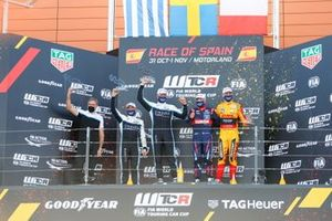 Podium: Race winner Thed Björk, Cyan Performance Lynk & Co 03 TCR, second place Santiago Urrutia, Cyan Performance Lynk & Co 03 TCR, third place Gabriele Tarquini, BRC Hyundai N LUKOIL Squadra Corse Hyundai i30 N TCR, Nathanael Berthon, Comtoyou DHL Team Audi Sport Audi RS3 LMS