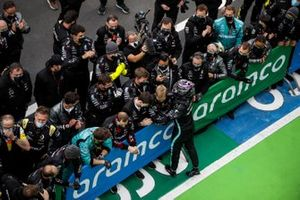 Lewis Hamilton, Mercedes-AMG F1, 1st position, celebrates in Parc Ferme with his team
