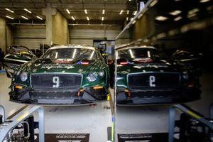 #9 K-Pax Racing Bentley Continental GT3: Alvaro Parente, Andy Soucek, Rodrigo Baptista