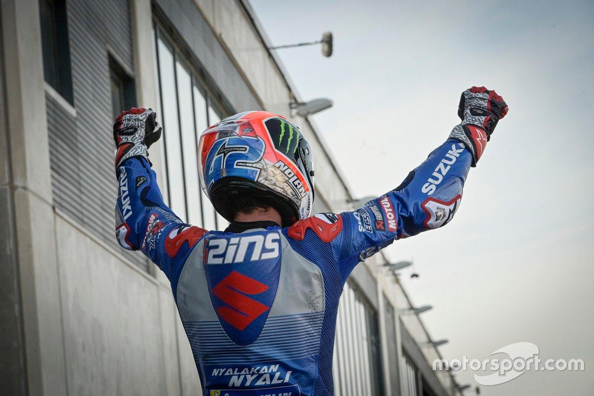 El ganador de la carrera Alex Rins, Team Suzuki MotoGP