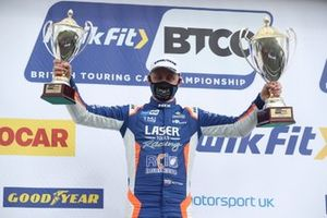Le vainqueur Ashley Sutton, Laser Tools Racing Infiniti Q50