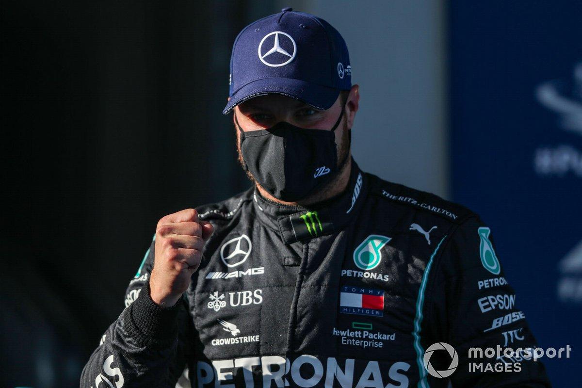 Ganador de la pole Valtteri Bottas, Mercedes-AMG F1