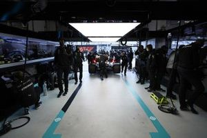 Mercedes mechanics return a car to the garage