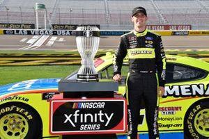 Xfinty Championship Trophy Las Vegas Motorspeedway Austin Cindric, Team Penske, Ford Mustang Menards/NIBCO