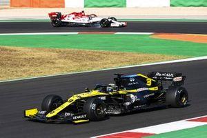 Daniel Ricciardo, Renault F1 Team R.S.20, Kimi Raikkonen, Alfa Romeo Racing C39