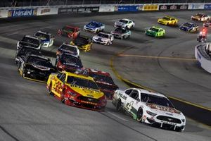 Kevin Harvick, Stewart-Haas Racing, Ford Mustang Hunt Brothers Pizza y Joey Logano, Team Penske, Ford Mustang Shell Pennzoil