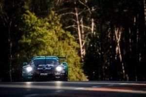 #99 Dempsey-Proton Racing Porsche 911 RSR: Julien Andlauer, Vutthikorn Inthraphuvasak, Lucas Légeret