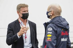 Presenter David Coulthard with Adrian Newey, Chief Technical Officer, Red Bull Racing