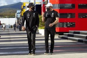 Lewis Hamilton, Mercedes-AMG F1, e Valtteri Bottas, Mercedes-AMG F1