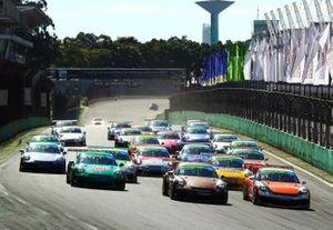 Largada da Porsche Carrera Cup em Interlagos