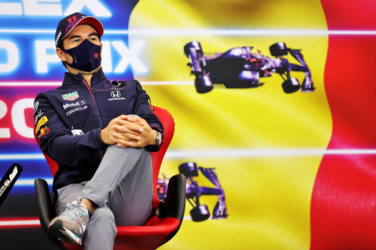 Sergio Pérez, Red Bull Racing, en la conferencia de prensa