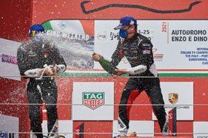 Leonardo Caglioni, Ombra Racing, Marzio Moretti, Bonaldi Motorsport, festeggiano sul podio