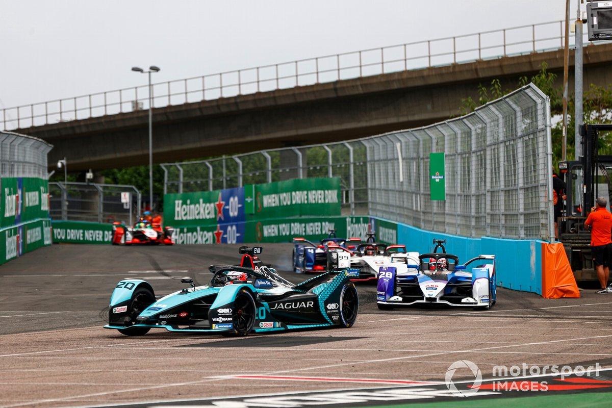 Mitch Evans, Jaguar Racing, Jaguar I-TYPE 5, Maximilian Gunther, BMW i Andretti Motorsport, BMW iFE.21