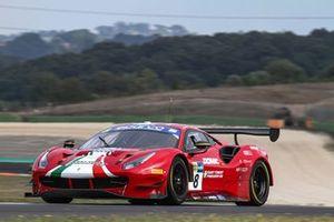 #8 AF Corse, Ferrari 488 GT3 Evo: Carrie Schreiner, Giorgio Roda, Antonio Fuoco