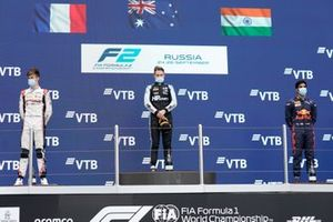 Podium: Race winner Oscar Piastri, Prema Racing, second place Theo Pourchaire, ART Grand Prix, third place Jehan Daruvala, Carlin