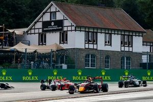 Jak Crawford, Hitech Grand Prix, Matteo Nannini, HWA Racelab, and Olli Caldwell, Prema Racing
