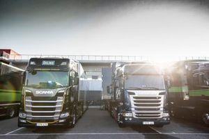 Ohlins, Showa trucks