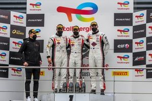 Podium: #61 EBM Giga Racing Porsche 911 GT3-R: Wolfgang Triller, Reid Harker, Will Bamber, Carlos Rivas