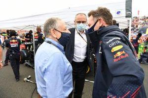 Jean Todt, voorzitter van de FIA, Jean Todt, voorzitter van de FIA, en Christian Horner, teambaas van Red Bull Racing, op de startgrid