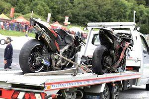 Les motos de Dani Pedrosa, Red Bull KTM Factory Racing, et de Lorenzo Savadori, Aprilia Racing Team Gresini, après leur accident
