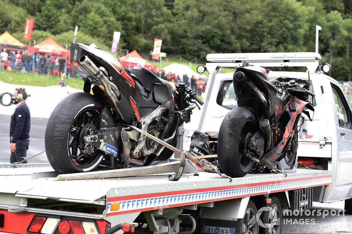 Motos de Dani Pedrosa, Red Bull KTM Factory Racing y Lorenzo Savadori, Aprilia Racing Team Gresini tras el incendio