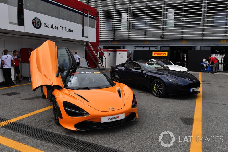 Mobil Pirelli Hot Laps