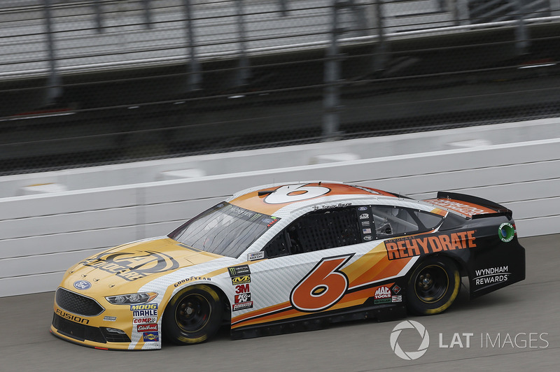 26. Trevor Bayne, Roush Fenway Racing, Ford Fusion AdvoCare Rehydrate