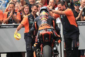 Ganador de la carrera Miguel Oliveira, Red Bull KTM Ajo