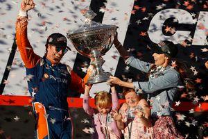 IndyCar-Champion 2018: Scott Dixon, Chip Ganassi Racing Honda, mit Ehefrau Emma und den Töchtern Poppy und Tilly