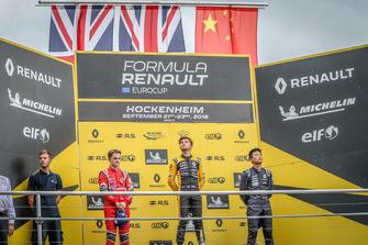 Podyum: Yarış galibi Max Fewtrell, R-Ace GP, 2. Oscar Piastri, Arden, Yifei Ye, Josef Kaufmann Racing