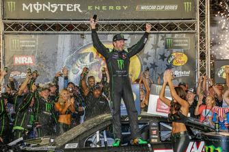 1. Kurt Busch, Stewart-Haas Racing, Ford Fusion Monster Energy / Haas Automation