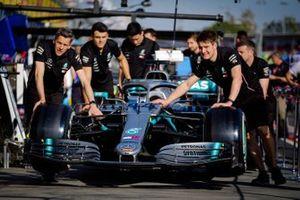 Mercedes AMG F1 W10, in pitlane