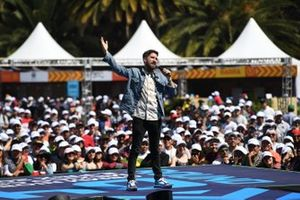 Alex Fernandez, comedian on stage