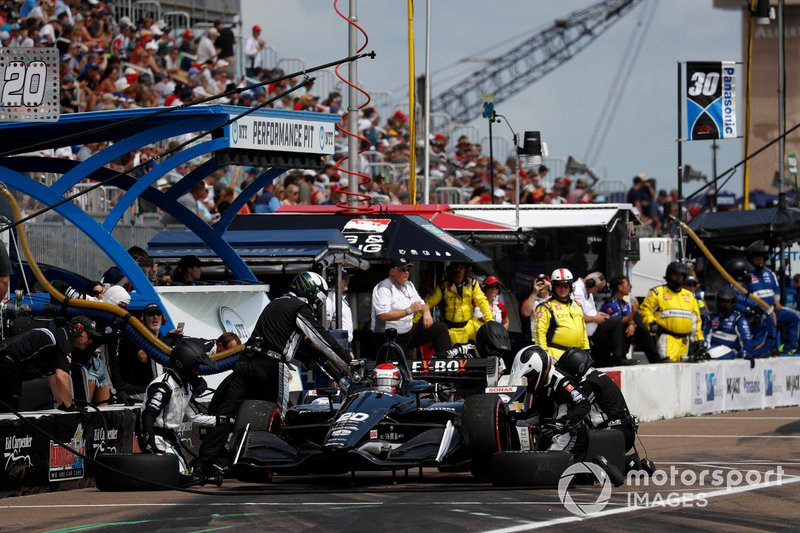 Ed Jones, Ed Carpenter Racing Chevrolet, pit stop