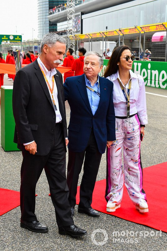 Chase Carey, Chairman, Formula 1, Jean Todt, President, FIA, and Michelle Yeoh on the grid