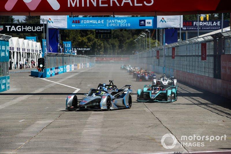 Felipe Massa, Venturi Formula E, Venturi VFE05, Oliver Rowland, Nissan e.Dams, Nissan IMO1, who battles with Mitch Evans, Jaguar Racing, Jaguar I-Type 3