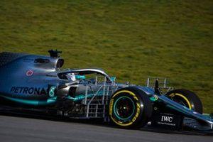 Valtteri Bottas, Mercedes AMG F1 W10, con dei ratrelli di sensori