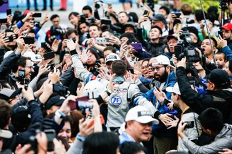 Edoardo Mortara, Venturi Formula E makes his way through the crowd towards the podium