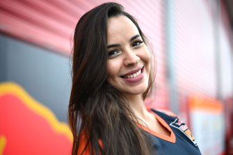 Azafata Red Bull KTM Factory Racing