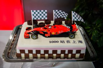 A cake featuring a Ferrari celebrating the 1000th Grand Prix