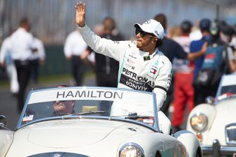 Lewis Hamilton, Mercedes AMG F1, lors de la parade des pilotes