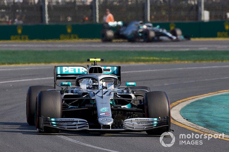 Valtteri Bottas, Mercedes AMG W10, Lewis Hamilton, Mercedes AMG F1 W10